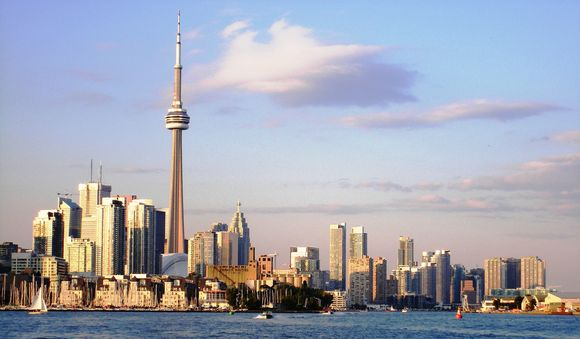 Canada country information: Toronto skyline